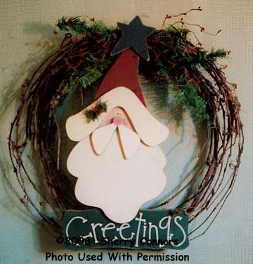 000417 (3) Mr. Claus Wreaths