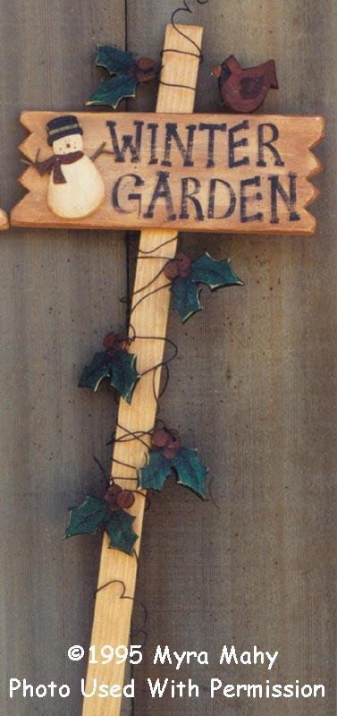 000138 (3) Winter Garden Stakes