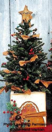001174 (3) Decorative tree box  gingerbread