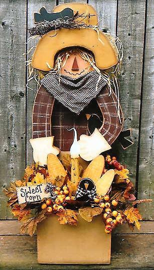 200048 (1) Sweet Corn Scarecrow